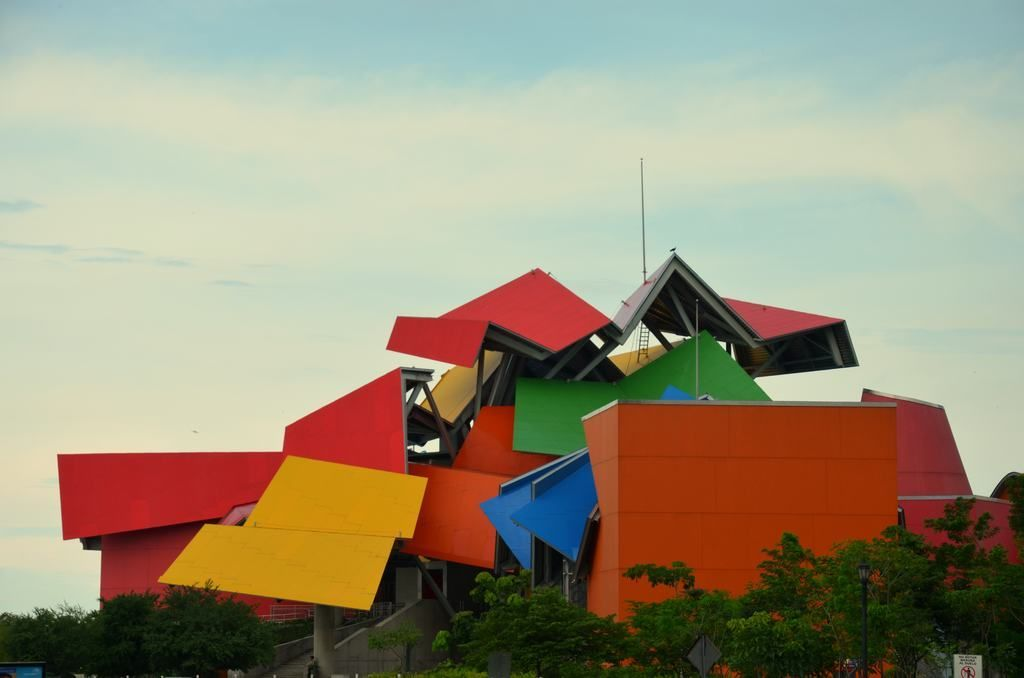 Exterior del Biomuseo, Frank Gehry
